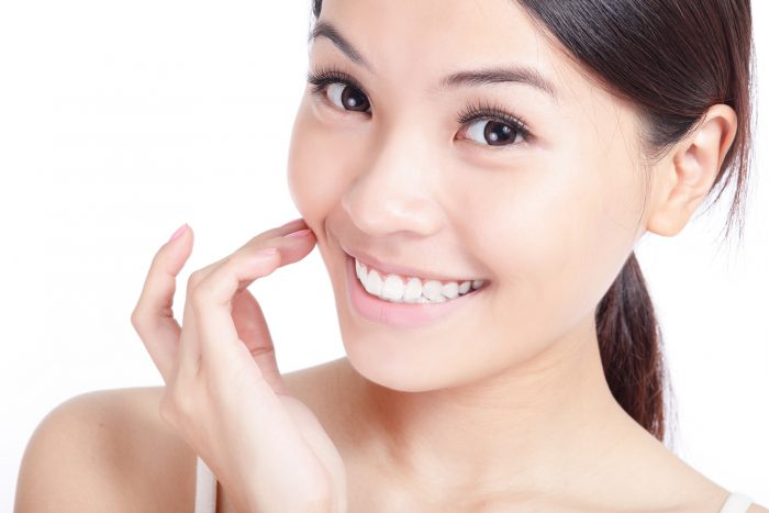 where can i find he best cosmetic dentist in tampa fl for teeth whitening?